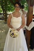 Svatební šaty v barvě šampáň, 38