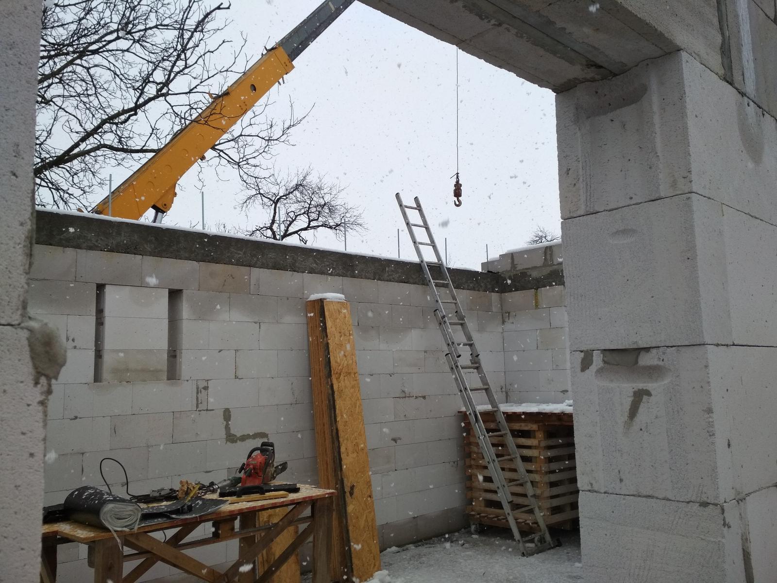 Moje trápenie 16x10 - Skvele podmienky na stavbu strechy