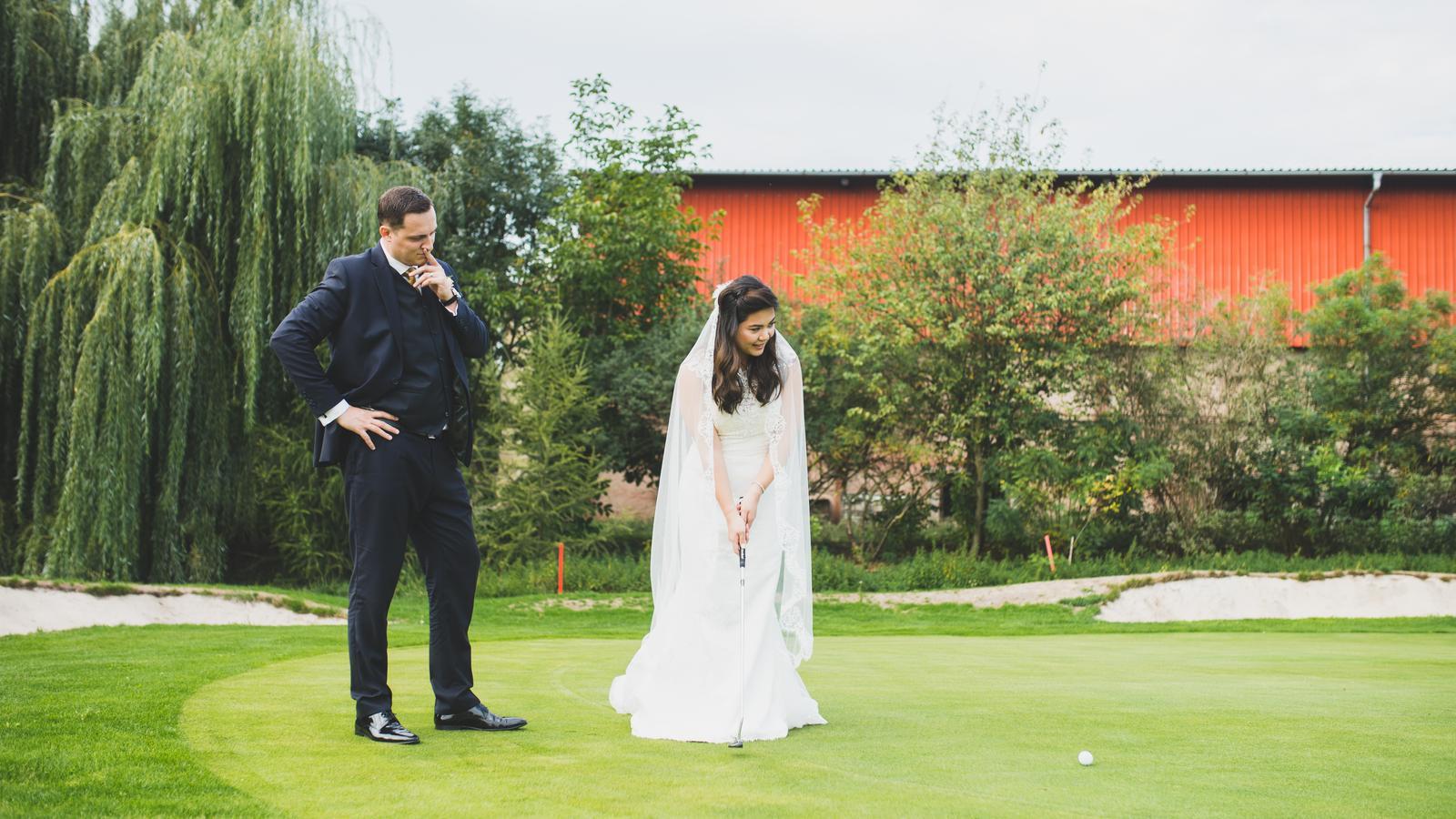 Rebecca + Marcel - Ahoj, přidávám pár snímků z krásné česko-filipínské svatby. Doufám, že se budou líbit! :-) - Pavlína, www.renardproduction.com