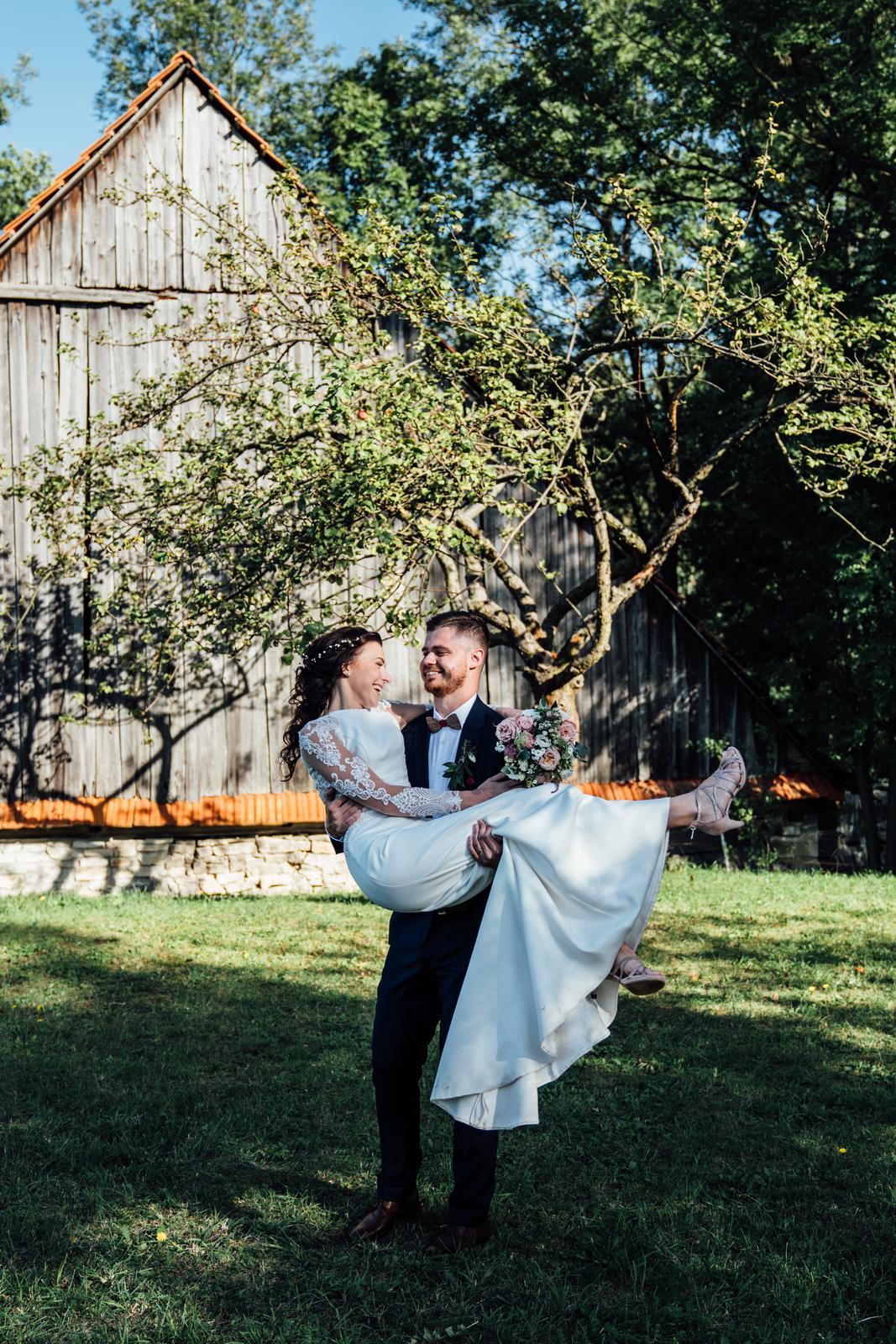 Kateřina & Tomáš (Podzimní svatba 2019) - Obrázek č. 24