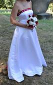 Bílé svatební šaty s bordo prvky, 38
