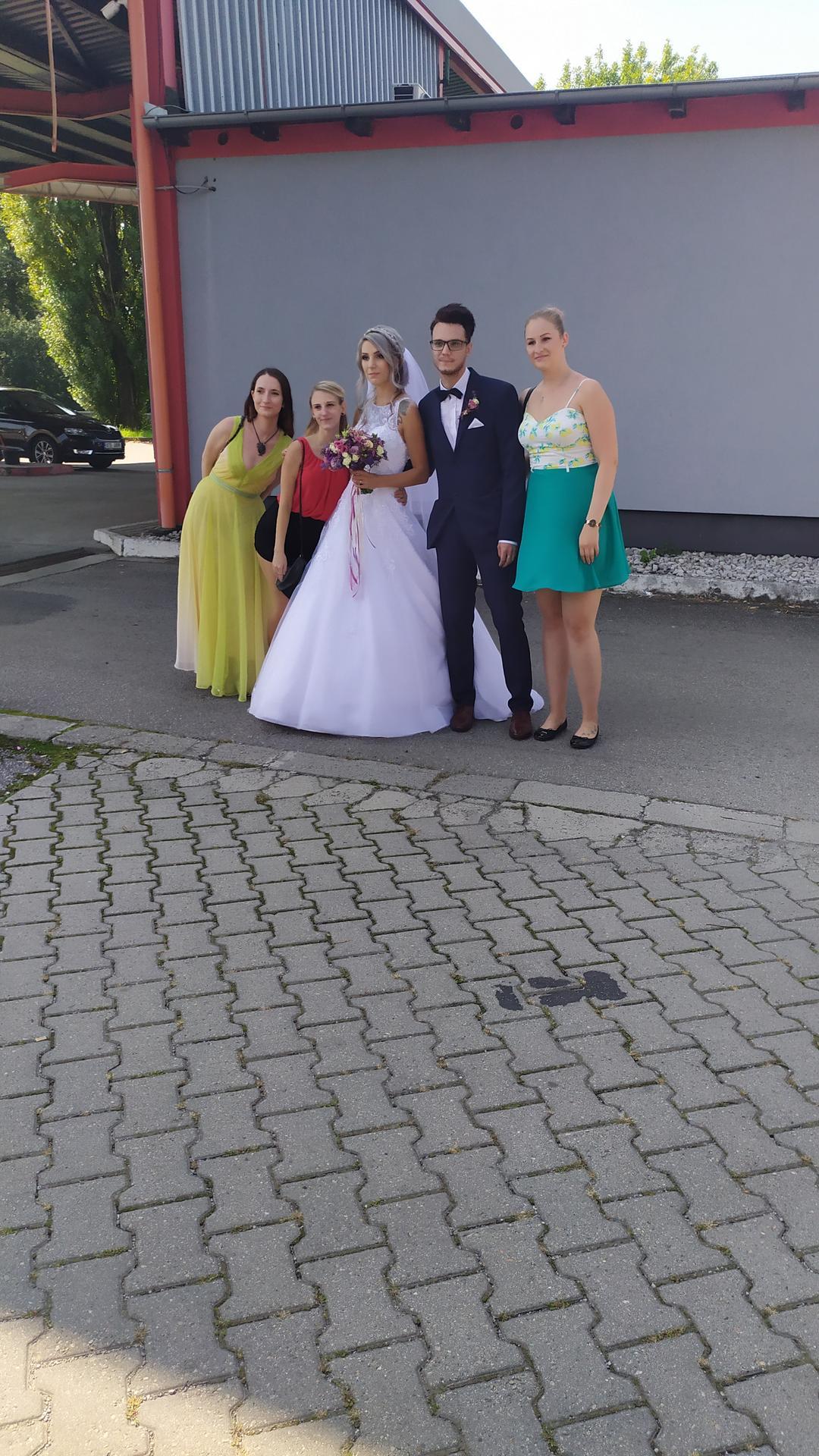 Pár fotek od svatebčanů - Obrázek č. 1