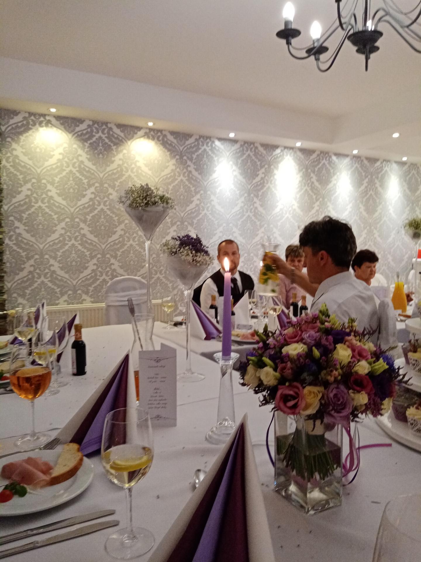 Pár fotek od svatebčanů - Obrázek č. 3