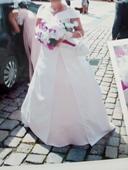 Svatební šaty s vlečkou. 40-, 44