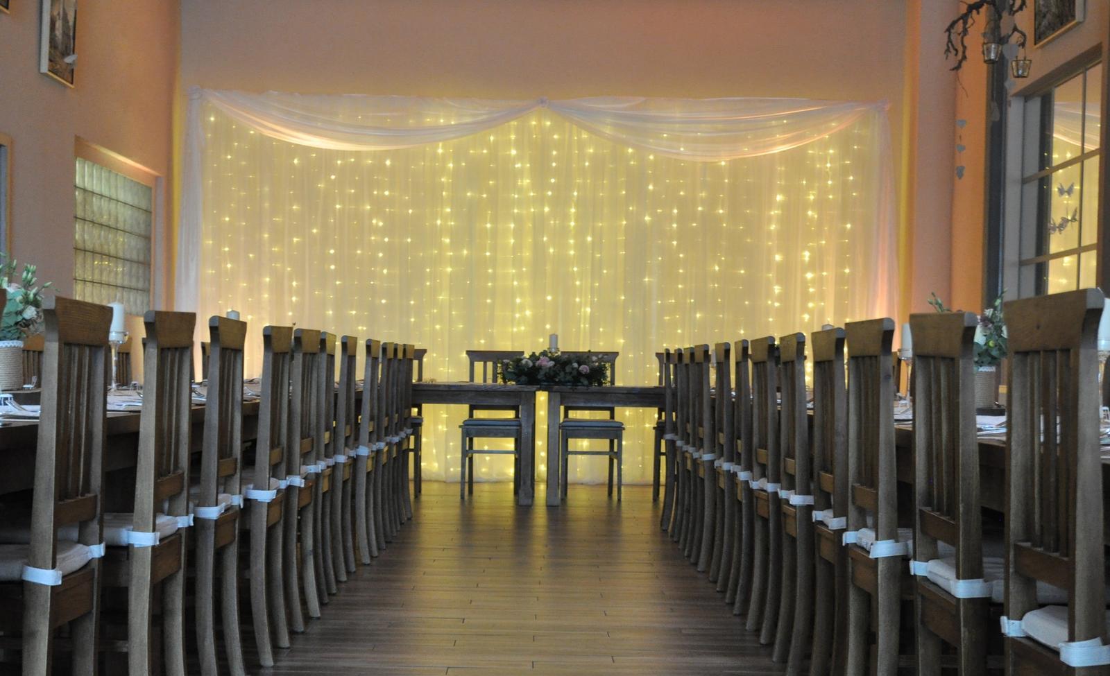 Tryskáč pub Pod.Biskupice - svetelná stena a nasvietenie sály - Obrázok č. 2