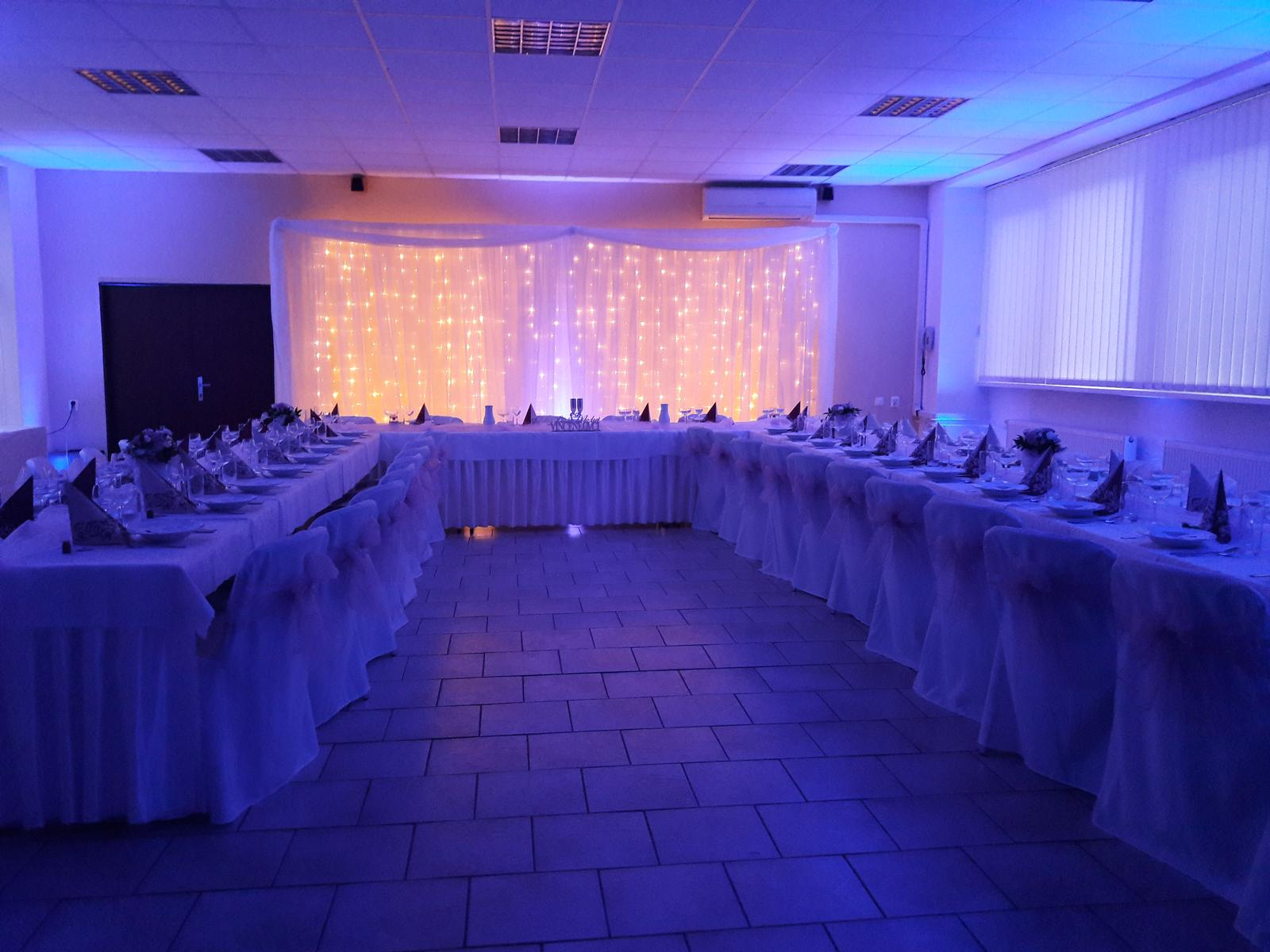 Svadba Pezinok - nasvietenie sály a svetelná stena - Svadba Pezinok - nasvietenie sály a svetelná stena