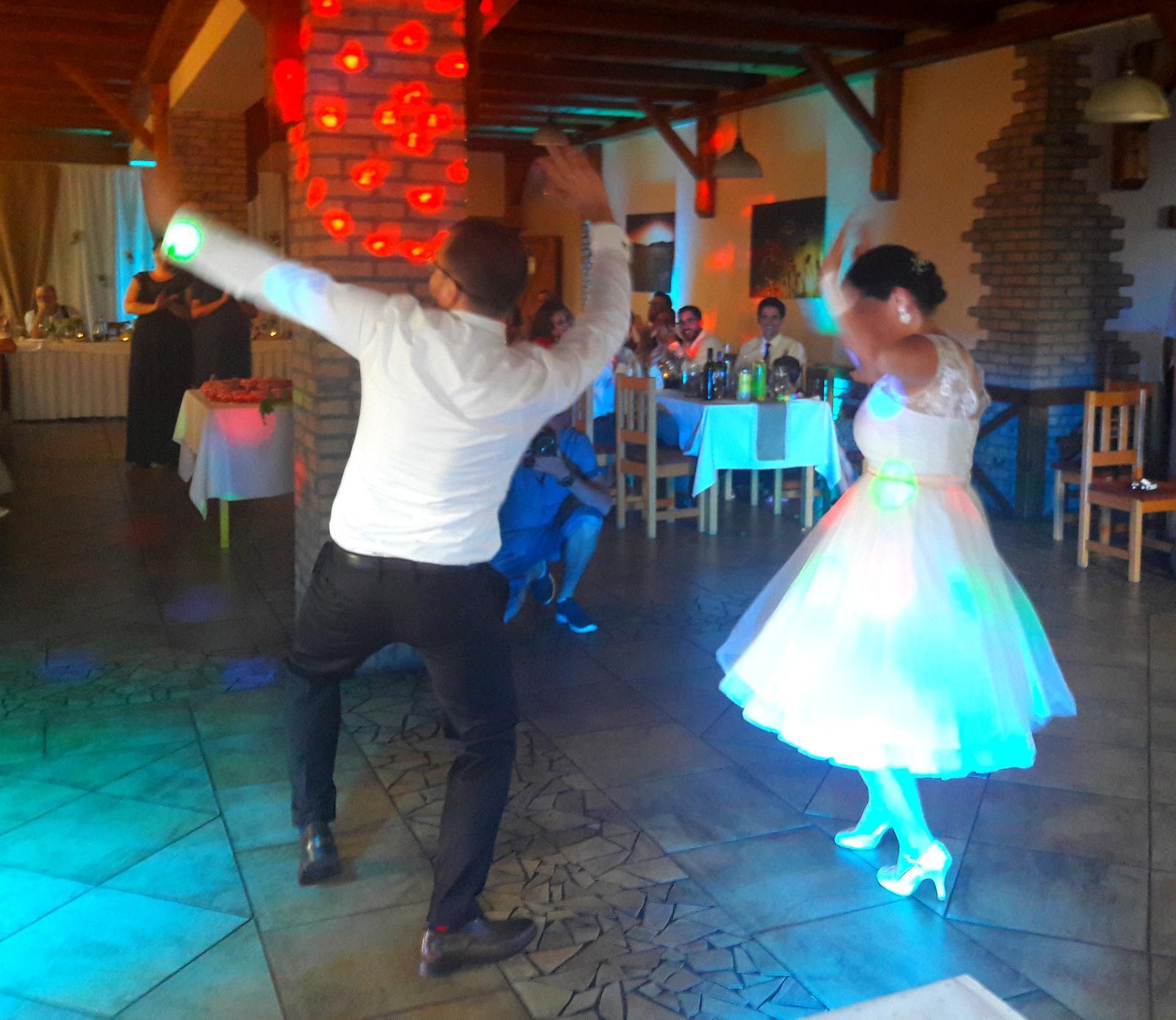 Djka eLLy d - Veselý prvý tanec Jakuba a Júlie :) za mixom dj eLLy d
