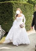 Svatební krajkové šaty Pronovias Pergola, 36