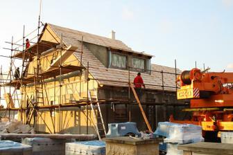 Střecha připravená na položení tašek