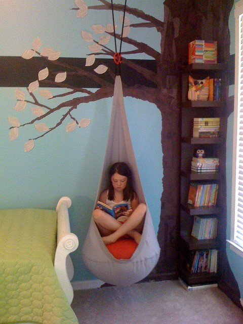 Dětský pokoj - naše inspirace - Další varianta stromu v dětském pokoji, zatím asi favorit:-)
