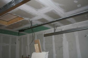 Čtrnáctý a patnáctý den - dodělán strop v garáži