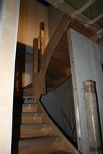 Už máme i schodiště