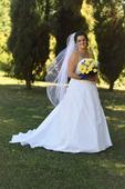 svatební šaty, vhodné pro větší poprsí.  , 44