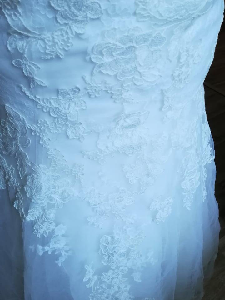 Svatební šaty 38(možná i menší 38) - Obrázek č. 2