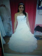 to jsou ty šaty :-)