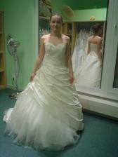 Andělské svatební studio - šaty č. 1 (nelíbil se mi hořejšek šatů)