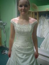Andělské svatební studio - šaty č. 3 (to jsou ty vyvolené v detailu))