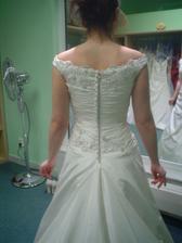 Andělské svatební studio - šaty č. 3 (to jsou ty vyvolené v detailu zezadu)