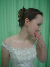 Andělské svatební studio - vítězné šaty Daga (detail nevěsty:-)