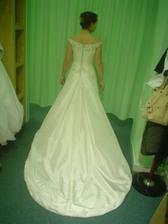 Andělské svatební studio - vítězné šaty Daga (se spuštenou vlečkou)