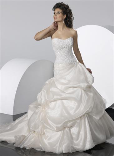 15.5.2010 Sonki&Mirko - Moje šaty, pôvodne som mala rezervované iné, ale prehodnotila som svoje predstavy