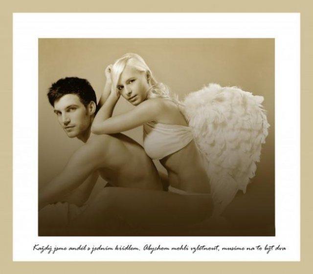 15.5.2010 Sonki&Mirko - Ako anjeli - náš fotograf to určite zrieši ľavou zadnou