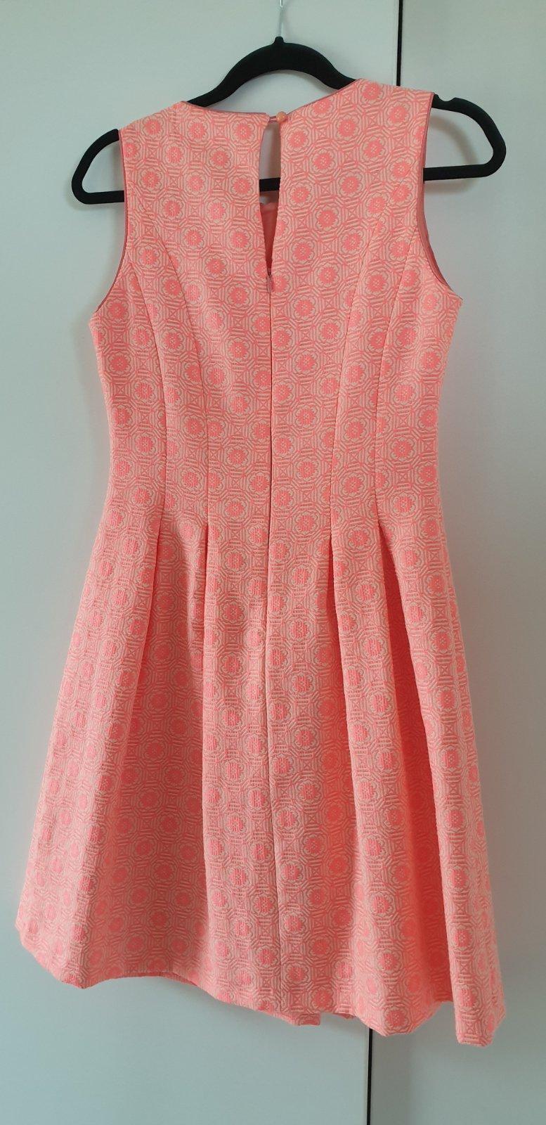 Šaty 1x oblečené - Obrázok č. 2