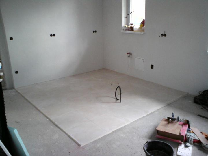 Náš budúci domček - bungalow 5 - tu bude kuchynský pult
