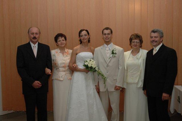 Adela Kmečová{{_AND_}}Marián Ščigulinský - My s rodičmi.