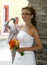 Nevesta Anička, ktorú sa snaží takým slušným historickým foťákom zachytiť jej manžel Milan.