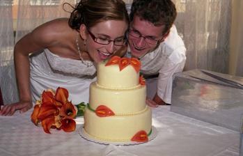 toto bola naša svadobná torta, mimochodmo pripomínam skvelá pani cukrárka pani Matejová, veľmi šikovná pani, torta bola fantastická.