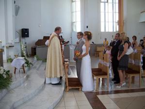 Práve prebiehal obrad v Kostole Sedembolestnej Panny Márie v Žiari nad Hronom, veľmi sa nám páčil príhovor pána dekana Hlaváčika.