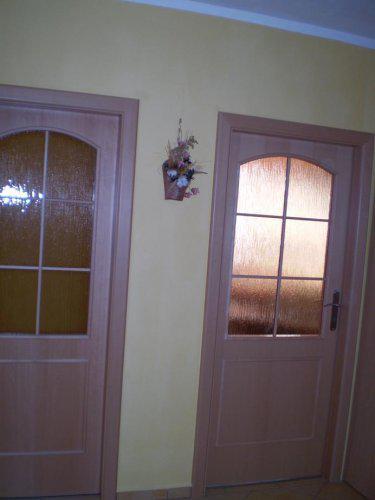 Hala, dveře jsme si nadělili k Vánocům