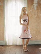 to jsou hezké šaty, buď pro mě na převlečení na večer nebo pro moji svědkyni....