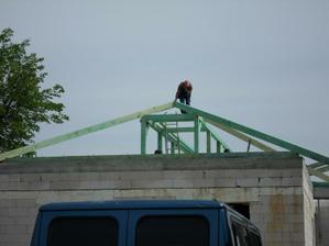 zaciname s krovom
