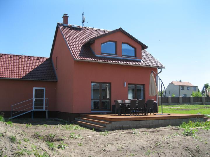 Nova 101 zvenčí + terasa a dlažba - Náš domeček :-)