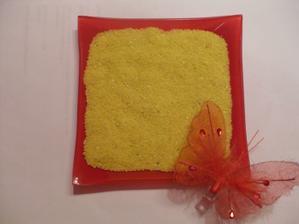 niečo takéto na obrúčky, uvidíme, čo ešte vymyslíme s kvetinárkou :)