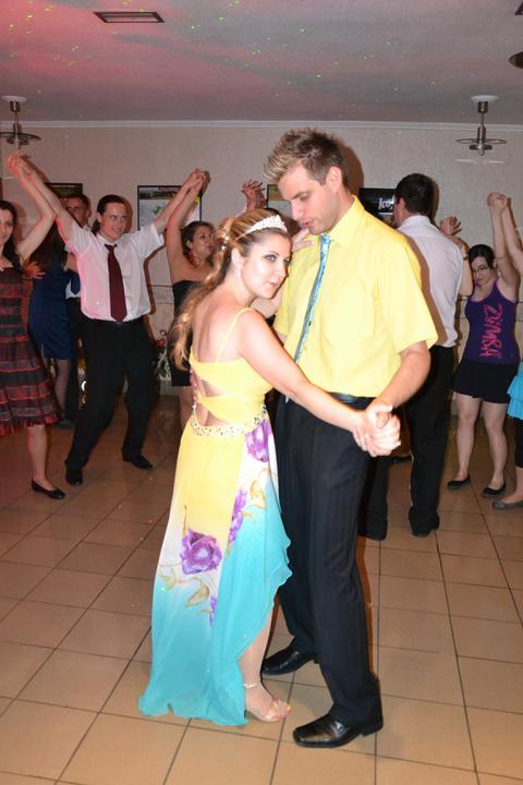 Zuzka {{_AND_}}Maťko - popolnočný tanec