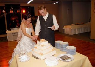 Krajanie svadobnej torty