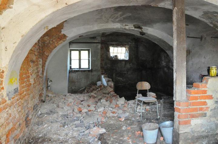 Rekonstrukce 300 let starého domu - Stáj