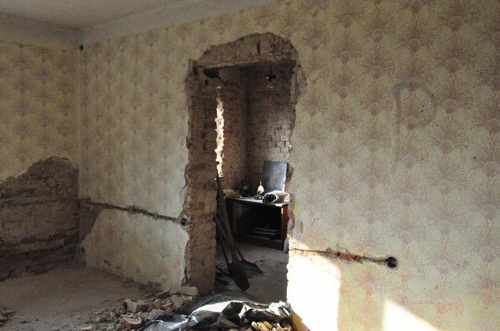 Rekonstrukce 300 let starého domu - Obnoven původní průchod.