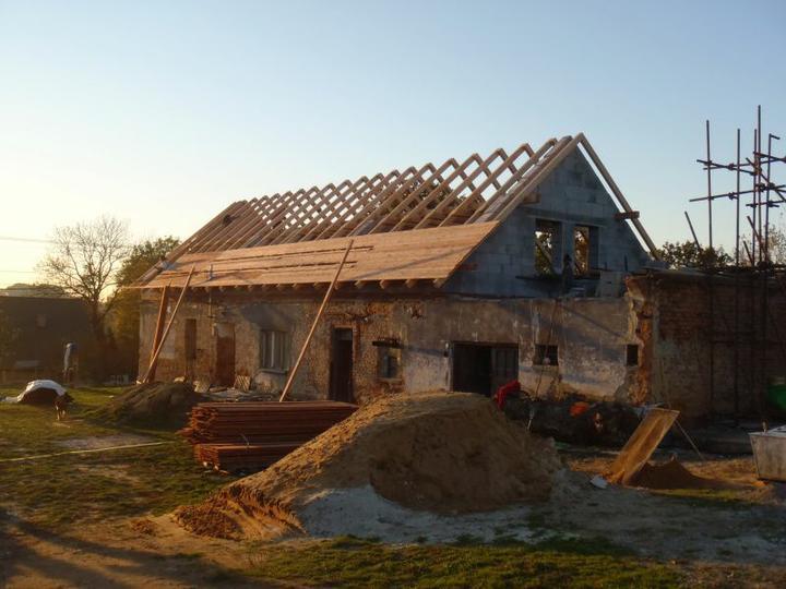 Střecha - Původně bylo písku 15 tun. :-))