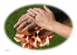 naše titanové prstýnky ;o)