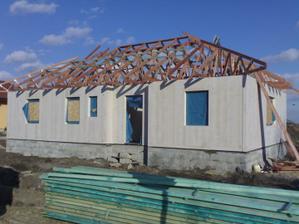 pak se začala dělat střecha