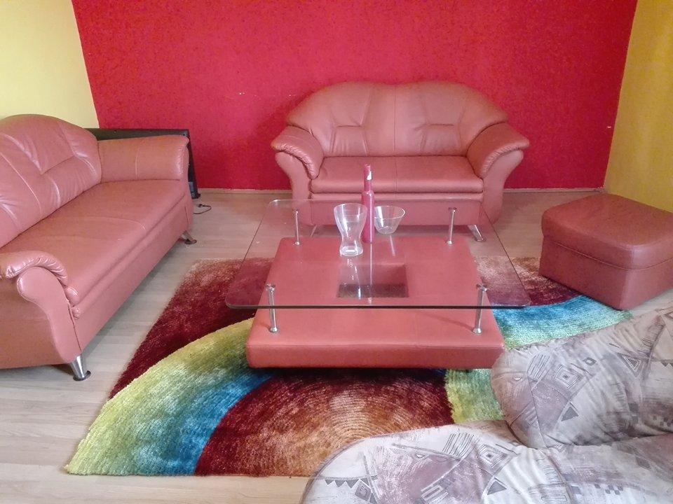 sedacka +stolik - Obrázok č. 1