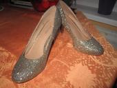 Zlaté topánky, 37