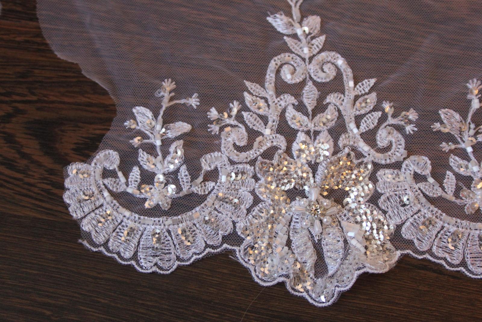 3 D Látky, aplikácie na svadobné šaty prípadne na iné dozdobenie - Obrázok č. 33