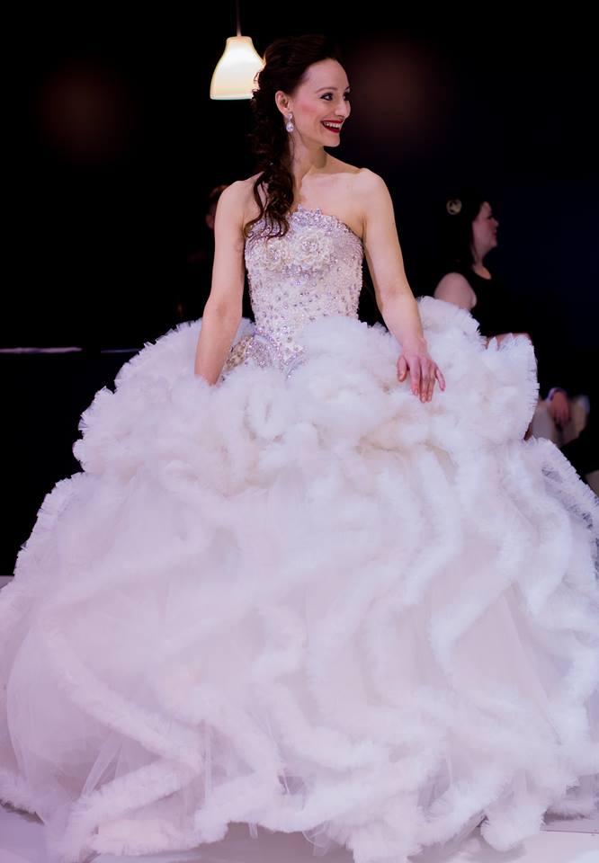 Konečný zoznam krásnych žien, (modeliek Natasha Azariy), ktoré budú prezentovať na módnej show, novú kolekciu šiat Natasha Azariy v Incheba expo Bratislava - Obrázok č. 4