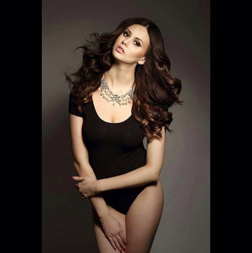 Konečný zoznam krásnych žien, (modeliek Natasha Azariy), ktoré budú prezentovať na módnej show, novú kolekciu šiat Natasha Azariy v Incheba expo Bratislava - Obrázok č. 8