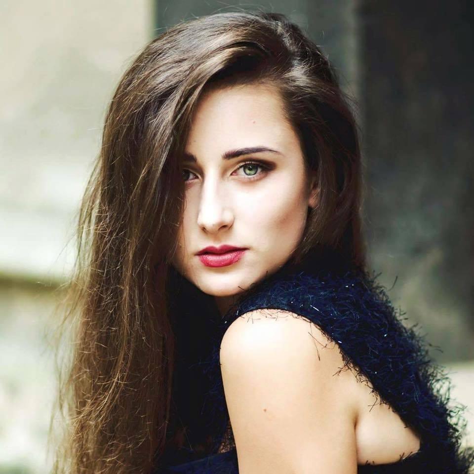 Konečný zoznam krásnych žien, (modeliek Natasha Azariy), ktoré budú prezentovať na módnej show, novú kolekciu šiat Natasha Azariy v Incheba expo Bratislava - Obrázok č. 10